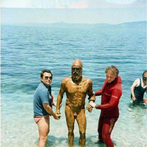 1972_One of the two Riace Bronzes discovered by an amateur scuba diver is brought out of the Ionian sea. Calabria, Italy. August 1972