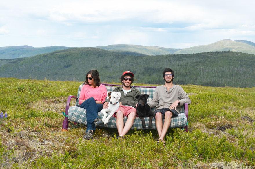 three-friends-two-dogs-one-futon-roadtrip-photos-10_021014
