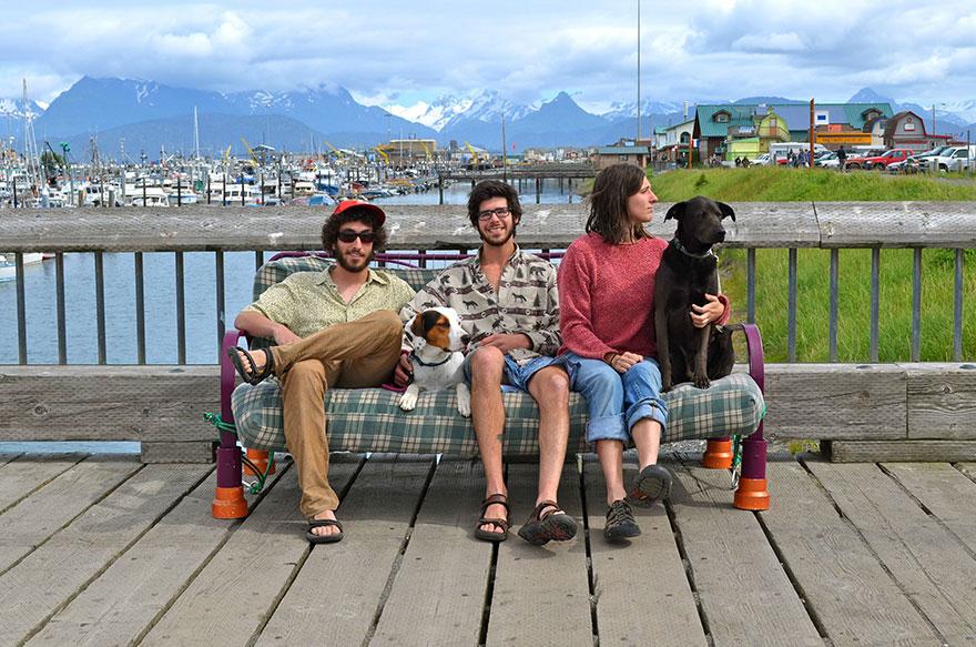 three-friends-two-dogs-one-futon-roadtrip-photos-13_021014