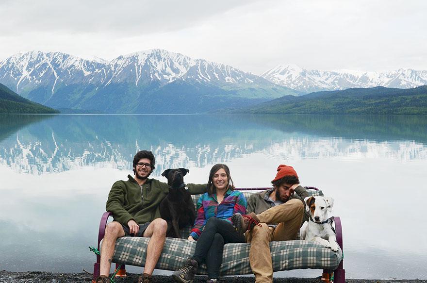 three-friends-two-dogs-one-futon-roadtrip-photos-1_021014