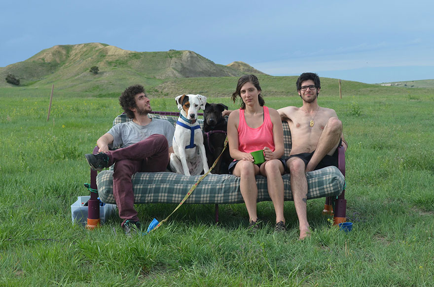 three-friends-two-dogs-one-futon-roadtrip-photos-1b_021014
