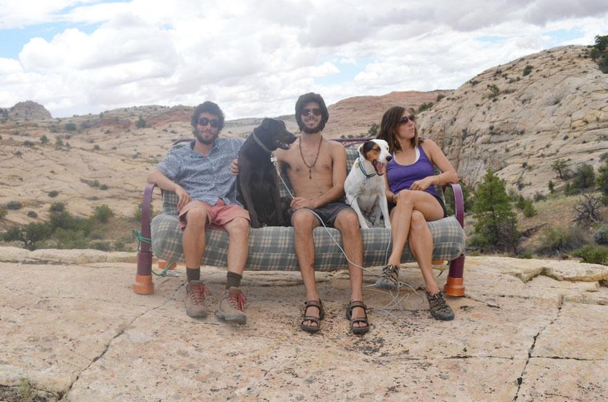 three-friends-two-dogs-one-futon-roadtrip-photos-2_021014