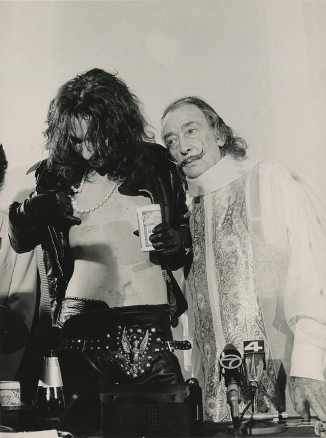 1983. Alice Cooper with Salvador Dali
