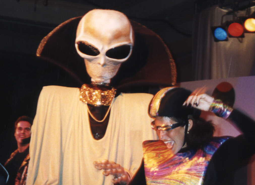 how_aliens_party_311214_1