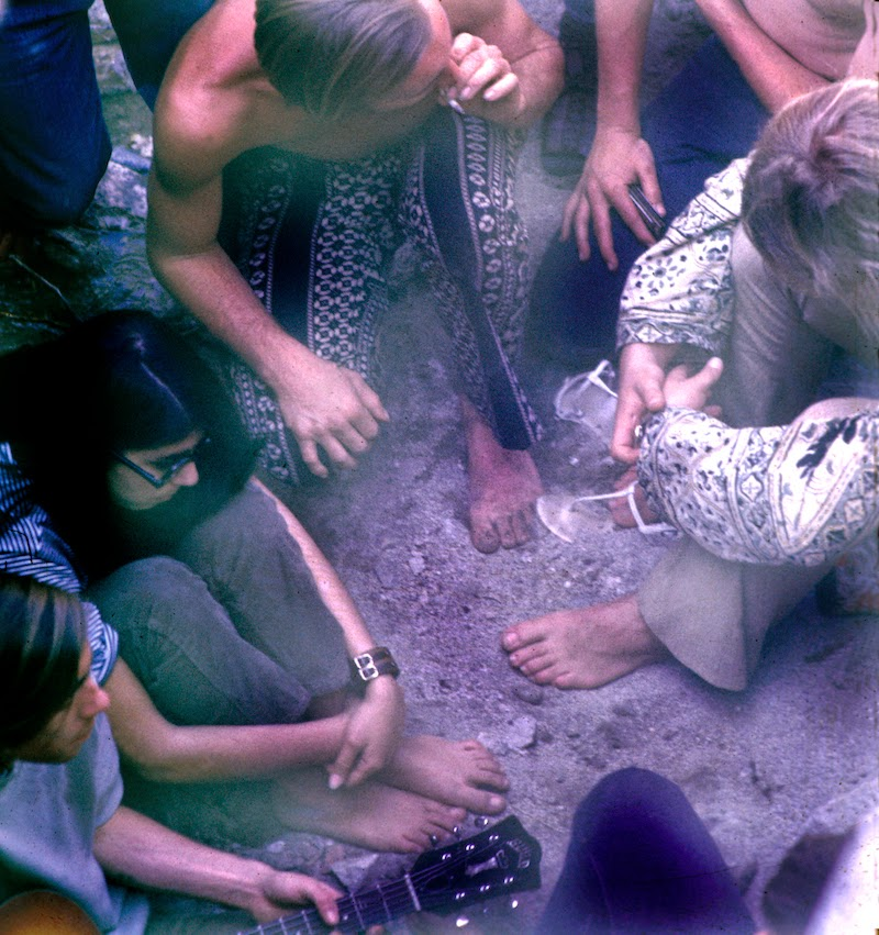 America's+1970s+Hippie+Communes+(8)