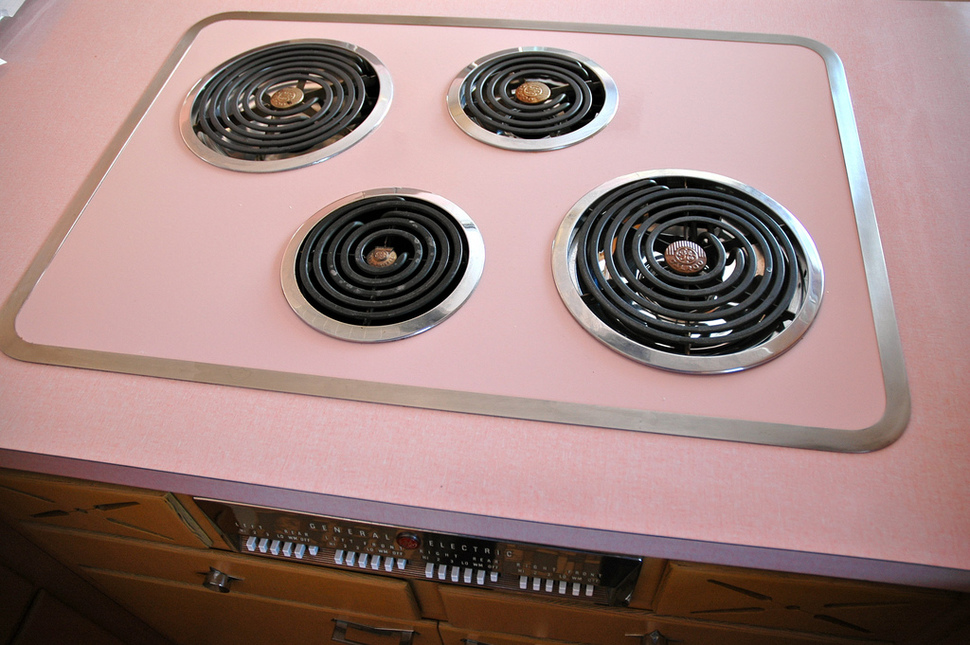 untouched_kitchen_from_thhe_50s (14)