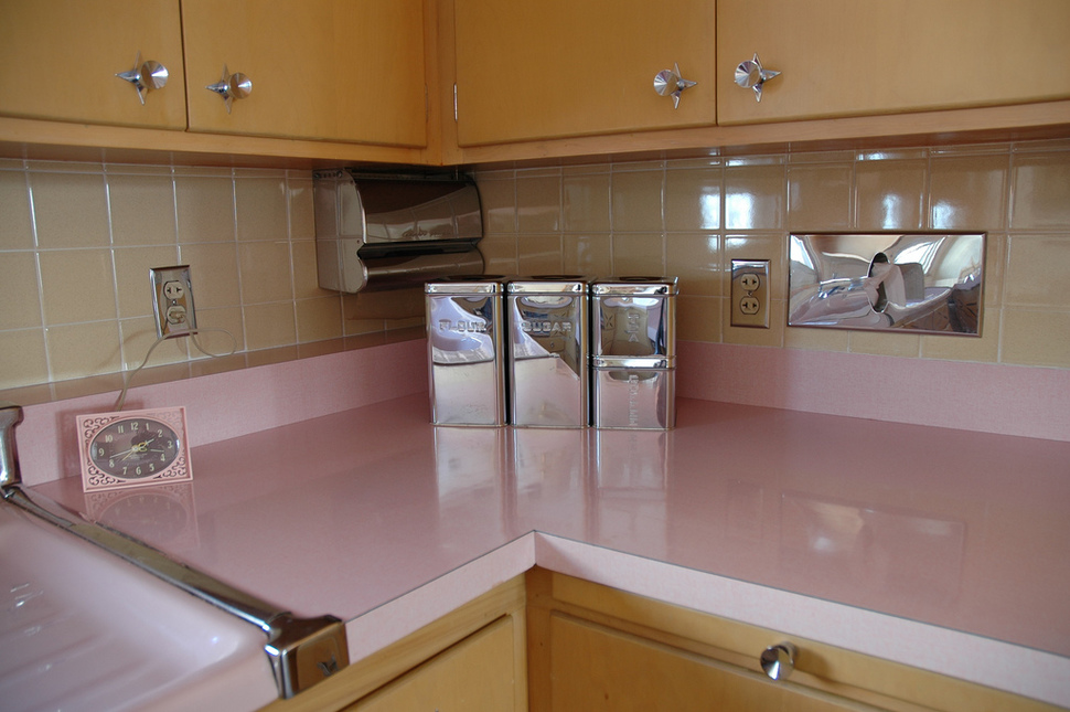 untouched_kitchen_from_thhe_50s (5)