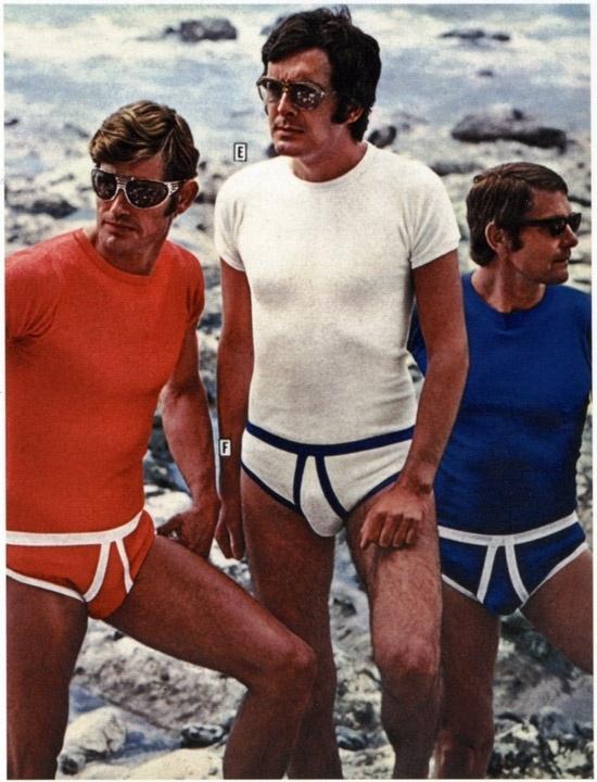 very-weird-vintage-underwear-ads-16