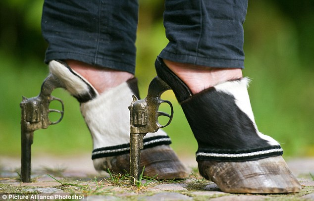 shoes-made-of-animals-1