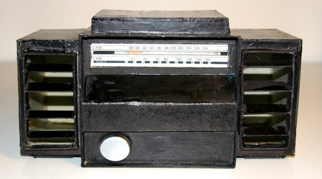 contraband_radio-fb