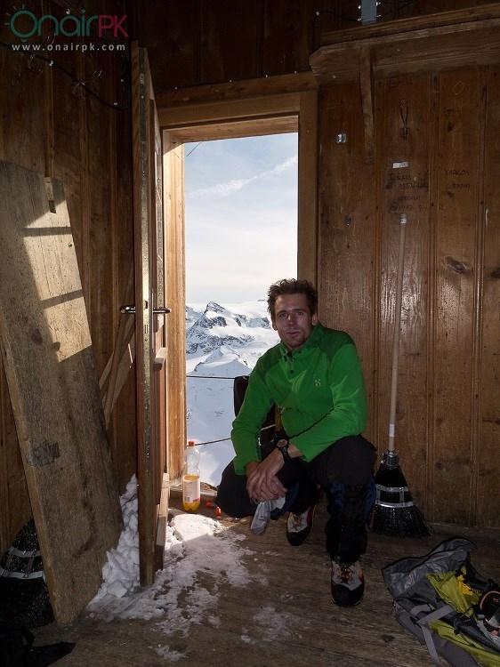 house-on-extremely-steep-mountain-switzerland9
