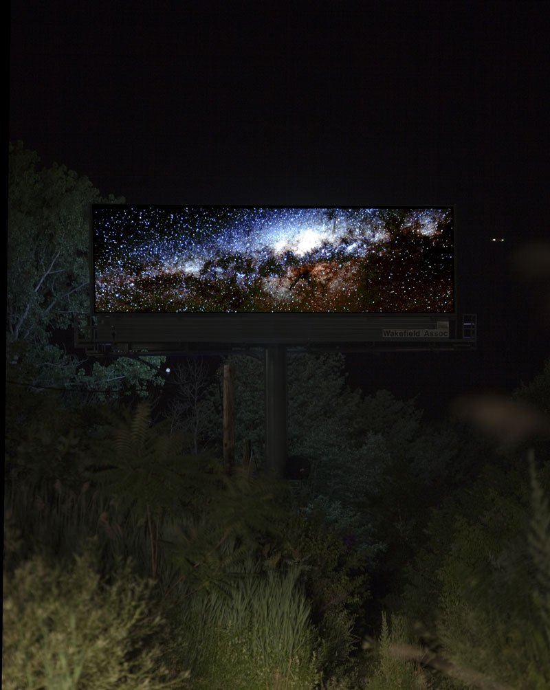 brian-kane-buys-digital-billboard-space-to-display-nature-photos-6