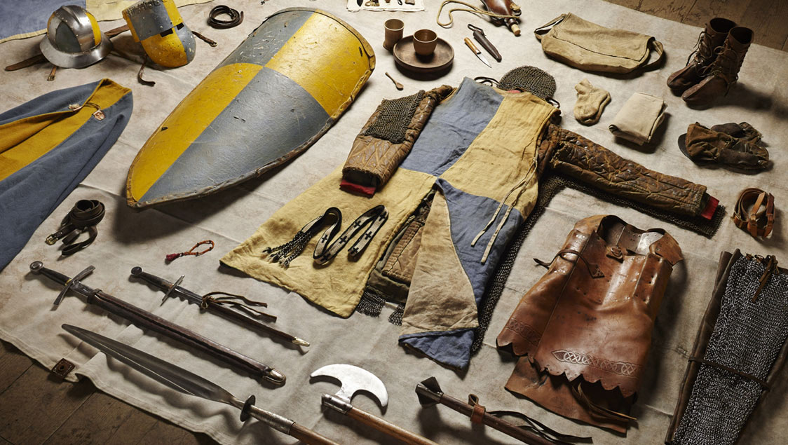 2-what-soldiers-wore-and-carried-in-war-from-the-middle-ages-to-today-mounted-knight-siege-of-jerusalem-1244