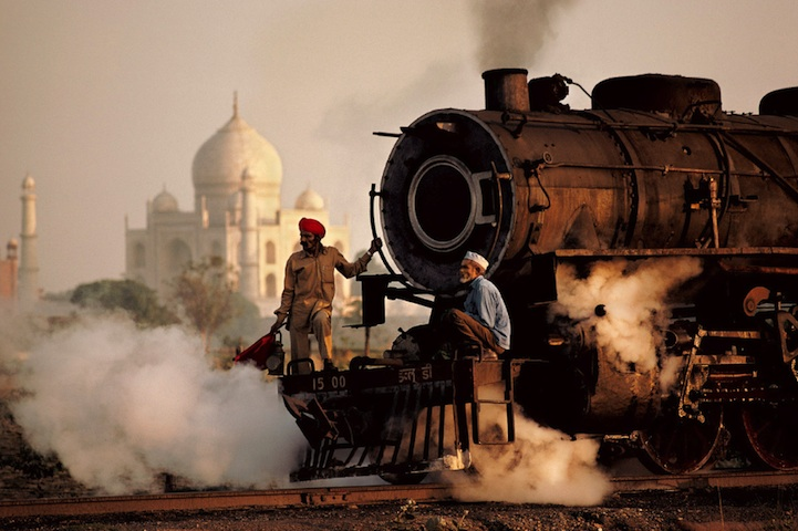 amazing-photos-of-faraway-places-by-steve-mccurry-15
