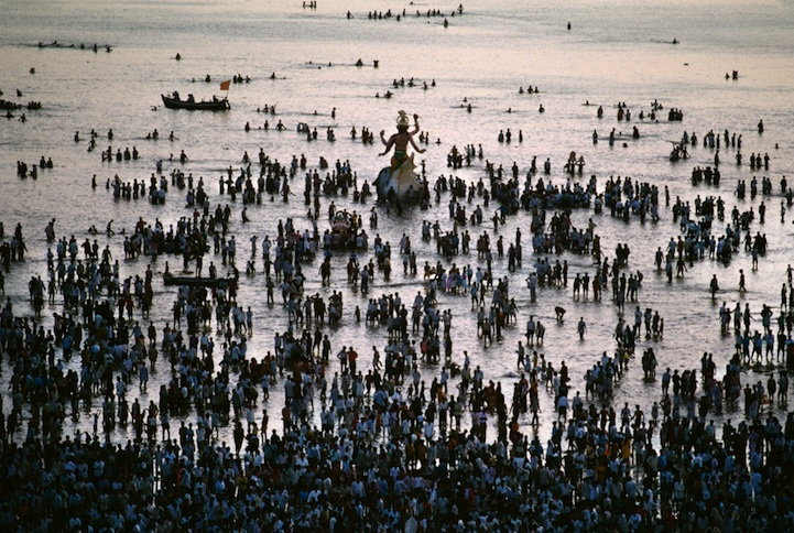 amazing-photos-of-faraway-places-by-steve-mccurry-16