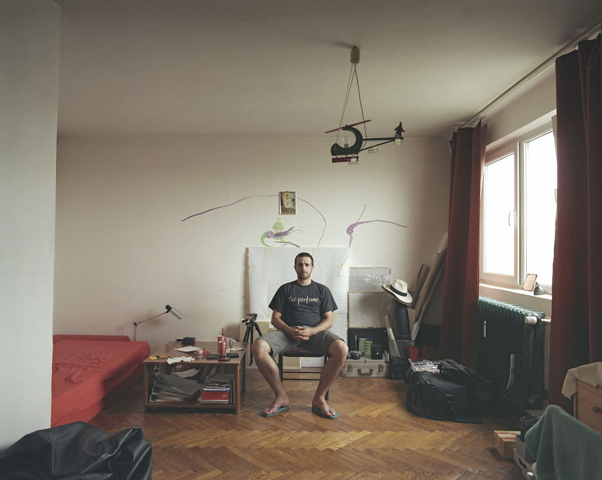 10-identical-apartments-10-different-lives-documented-by-romanian-artist0