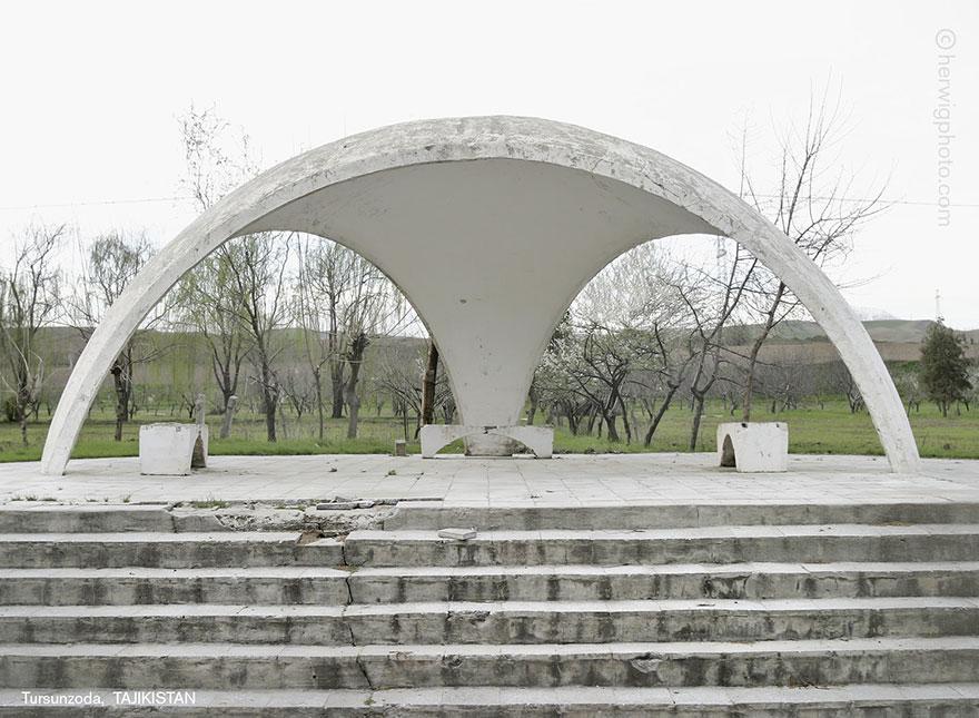 strange-beautiful-bus-stops-soviet-christopher-herwig-11