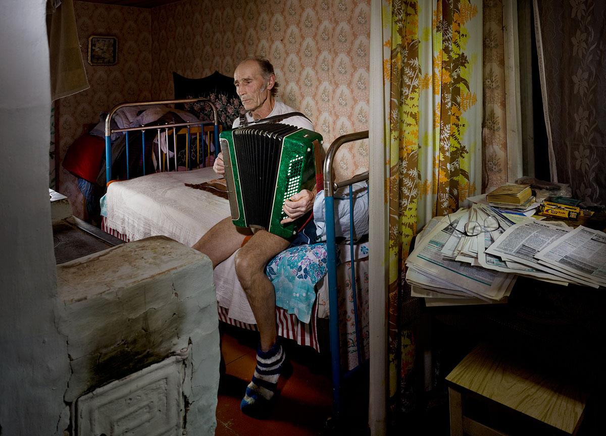 russian-fairy-tale-on-surreal-photos_11