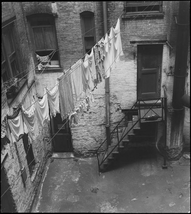 New York Covered In Laundry 1898 1976 Earthly Mission
