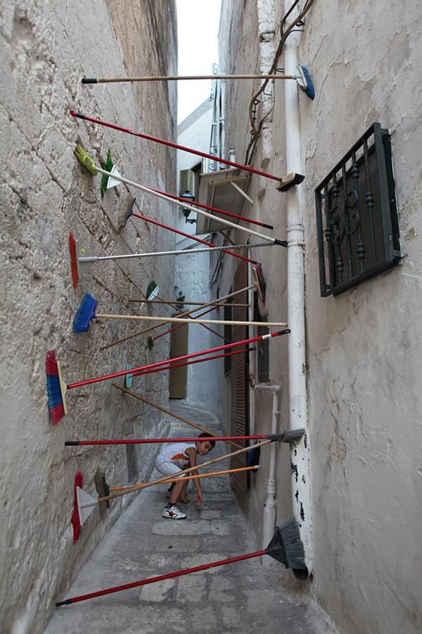 art-or-vandalism-illegal-public-art-3