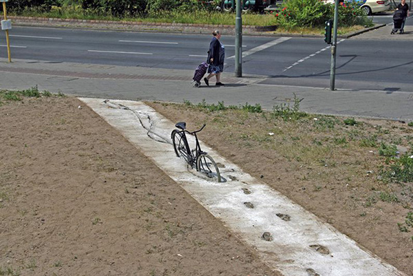 art-or-vandalism-illegal-public-art-4