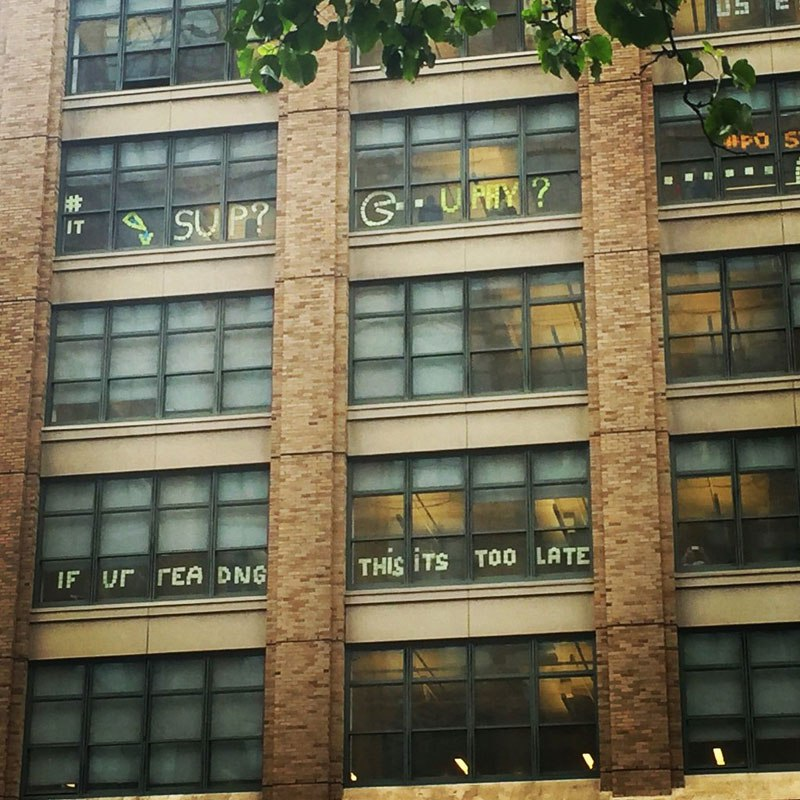 employees-in-two-buildings-wage-deadly-post-it-war-against-each-other-2