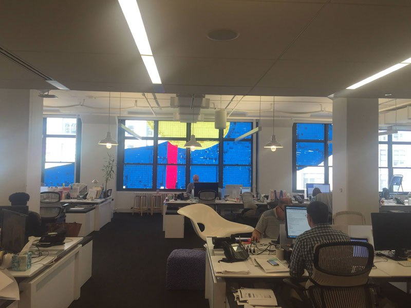 employees-in-two-buildings-wage-deadly-post-it-war-against-each-other-8