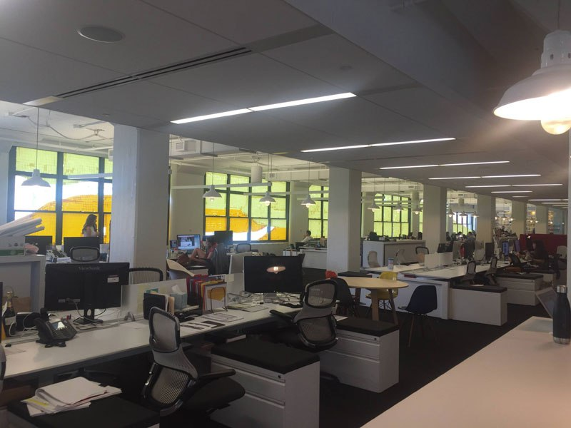 employees-in-two-buildings-wage-deadly-post-it-war-against-each-other-9