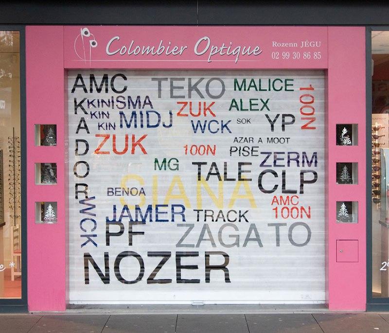 street-artist-makes-graffiti-legible-17