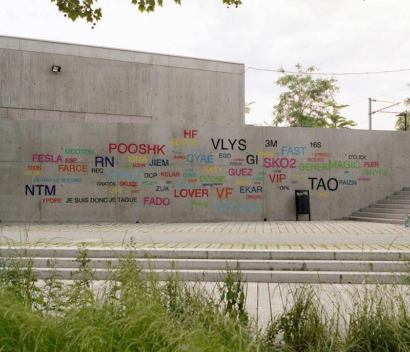 street-artist-makes-graffiti-legible-19