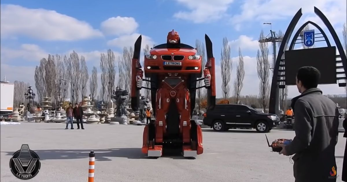 the-first-real-transformer-bmw