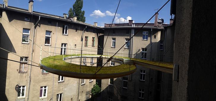 twisted-green-floating-balcony-walkway-3