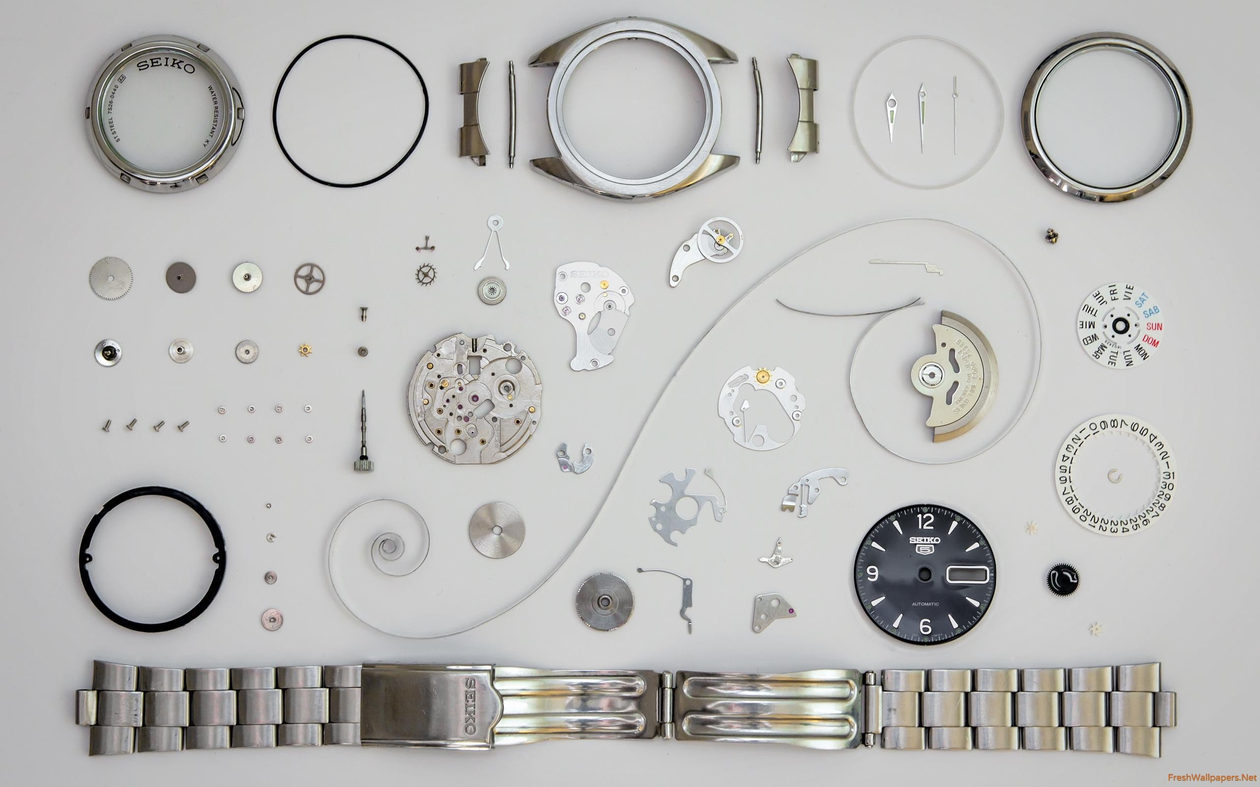 watch-in-pieces-2
