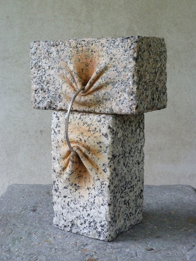 spanish-artist-does-incredible-things-to-stone-11