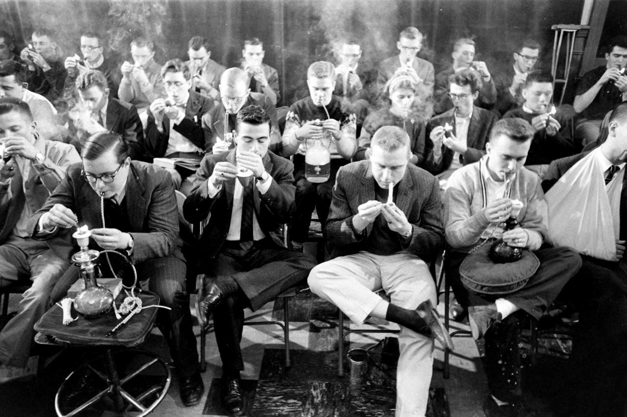 mass smoking men